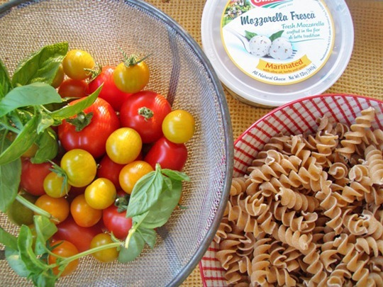 Summer dinner pasta salad from the garden