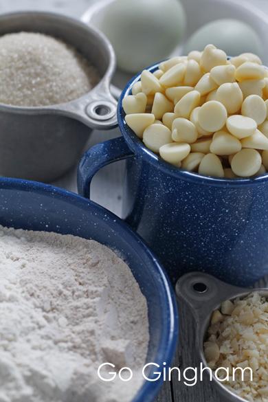 White Chocolate Macadamia Nut Go Gingham
