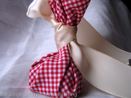 Go Gingham: Valentine's Day no-sew goodie bag