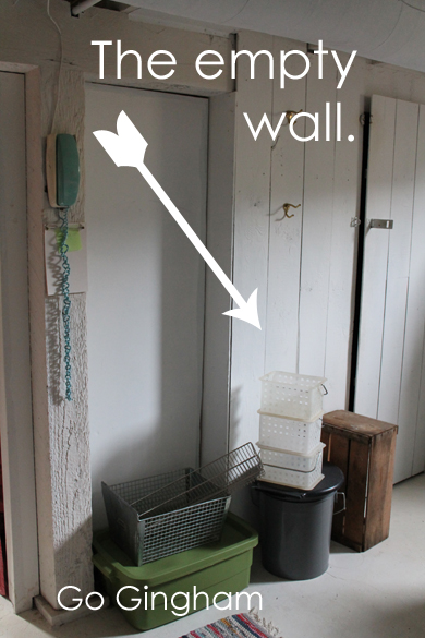 The empty wall Go Gingham